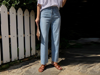 summer light denim pants